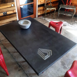 PLAIN-FINISH-TABLE_NEEDS-ZOOMING